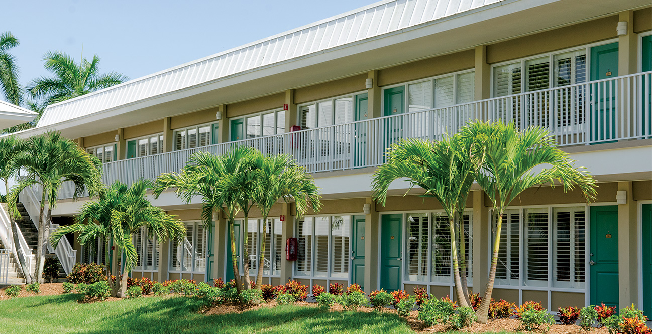 Located On The Island, The Guest House Is Surrounded By Lush Flowering  Landscape And Breezes Coming From The Caloosahatchee River. Looking To Stay  A Night, ...